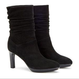 NWOT Aquatalia Raegan Slouchy Boots (Black)